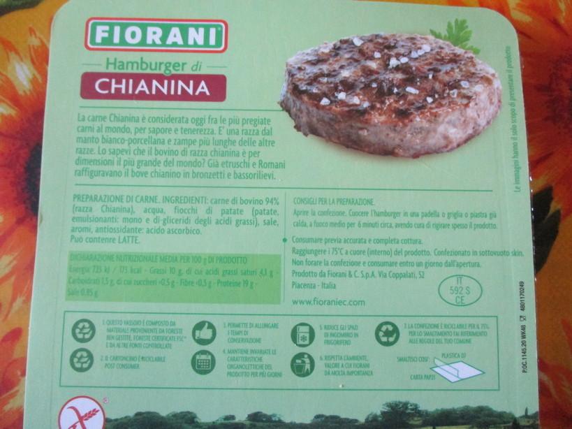 Hamburger_di_chianina_sugomoritamago_con_mozzarella_spinac2_i210208