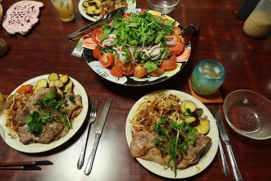 ステーキ&サラダ