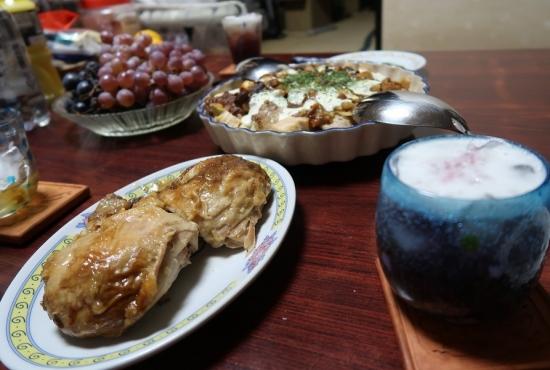 チリコンカンカレーのパンドリア、ぶどう、ロティサリーチキン残り