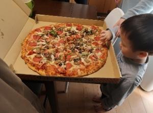 ピザとマゴラ