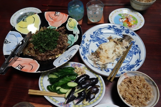 カレイ干物裏、カレイ煮汁と干しえびご飯、牛しそバター、ぬかづけ