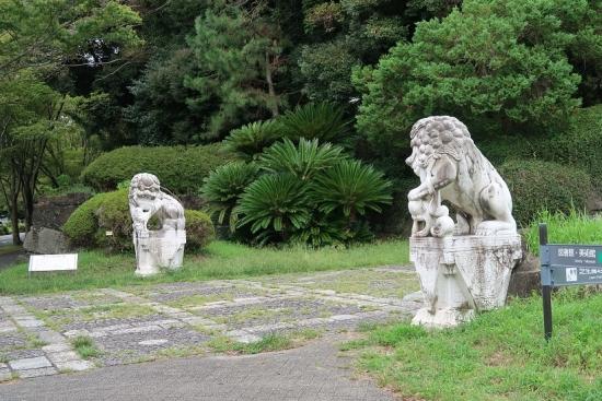 漢白玉石獅子像