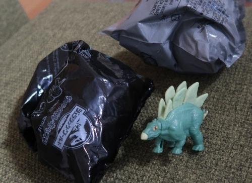 ハッピーセットの恐竜たち