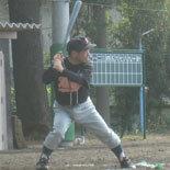 3回裏、相澤が2点適時打を放つ