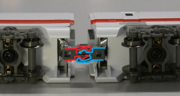MicroAce新幹線(East-i)通電カプラー連結部