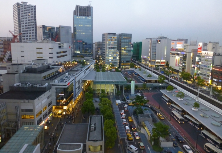 ルフロンから見下ろす川崎駅東口