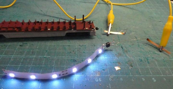 LEDテープ室内灯の点灯確認