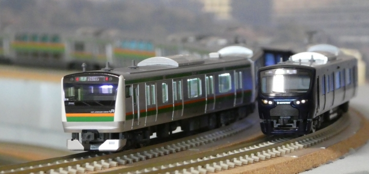 tomix 相鉄12000系、KATO E233系湘南色