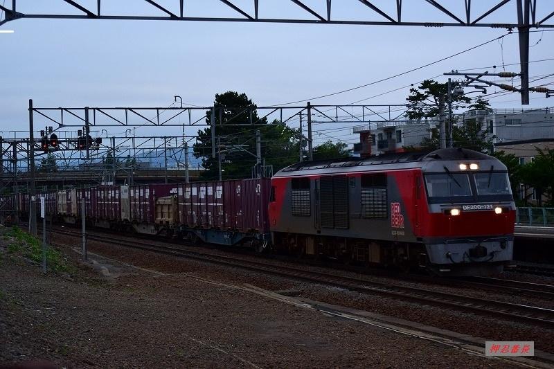 DF200-121 1081レ 20200725 厚別駅
