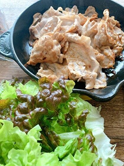 薄切り豚肉のソテーサニーレタス巻き