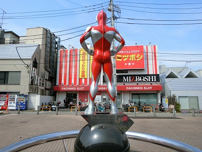 ultraman-shotengai56.jpg