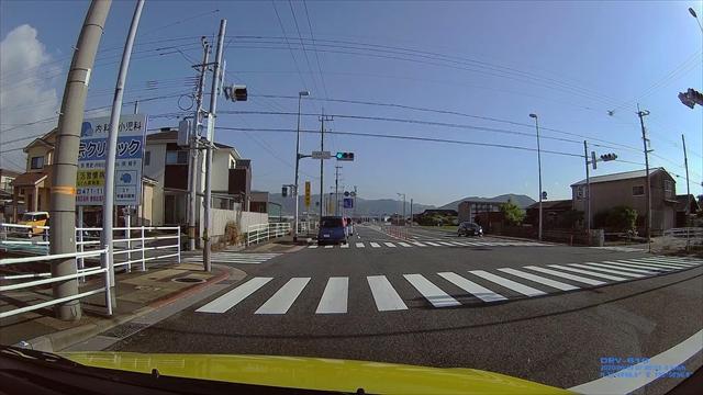 追い越し車線から左折する輩-2