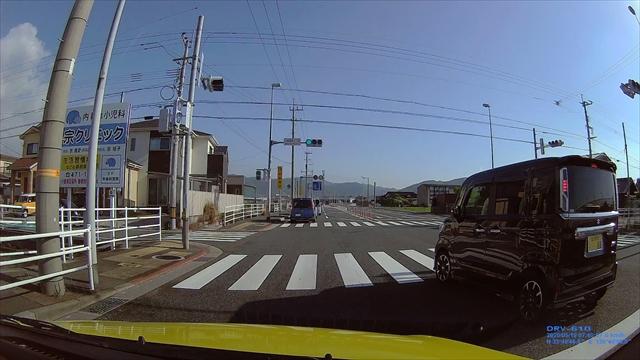 追い越し車線から左折する輩-3