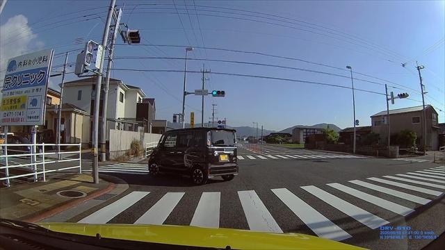 追い越し車線から左折する輩-4