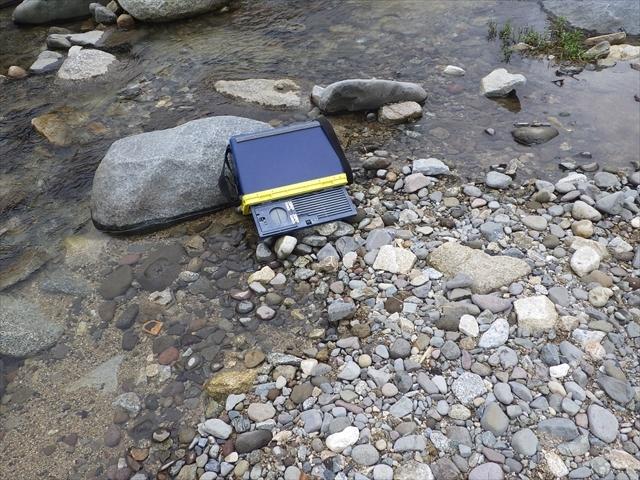 餌釣り師の場所取り用クーラーボックス