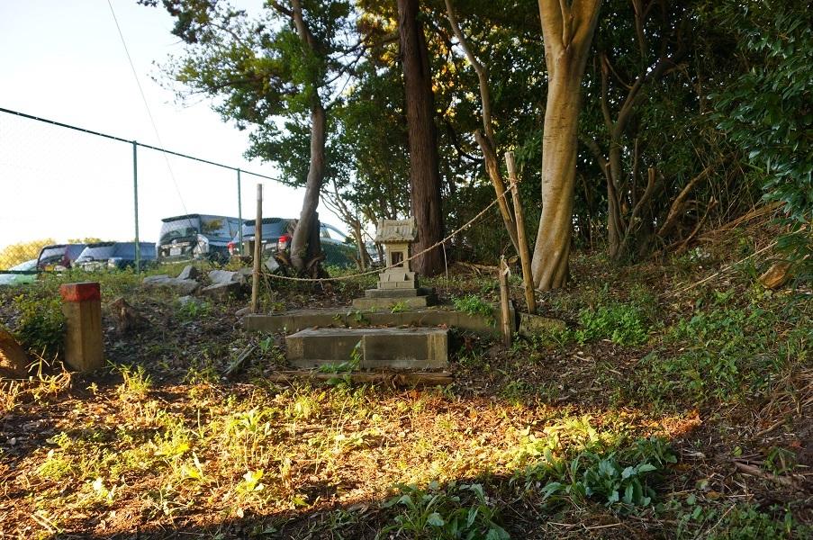 08 阿屋稲荷神社遠景