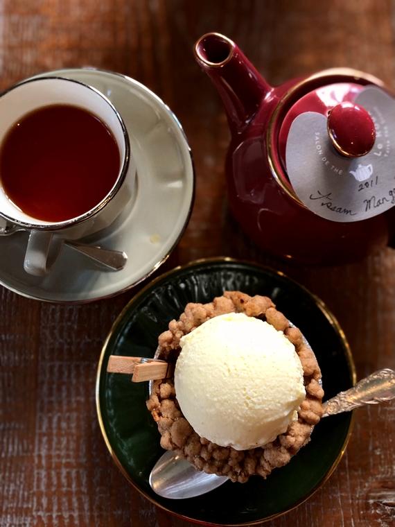 サロンドテルルーの紅茶と菓子