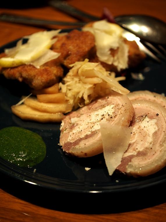 ネグラマーロ 佐賀県産皮付きイノシシの煮こごり「テスティーナ」と「コトレッタ」盛り合わせ