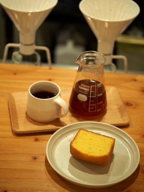 imairoのケークとコーヒー