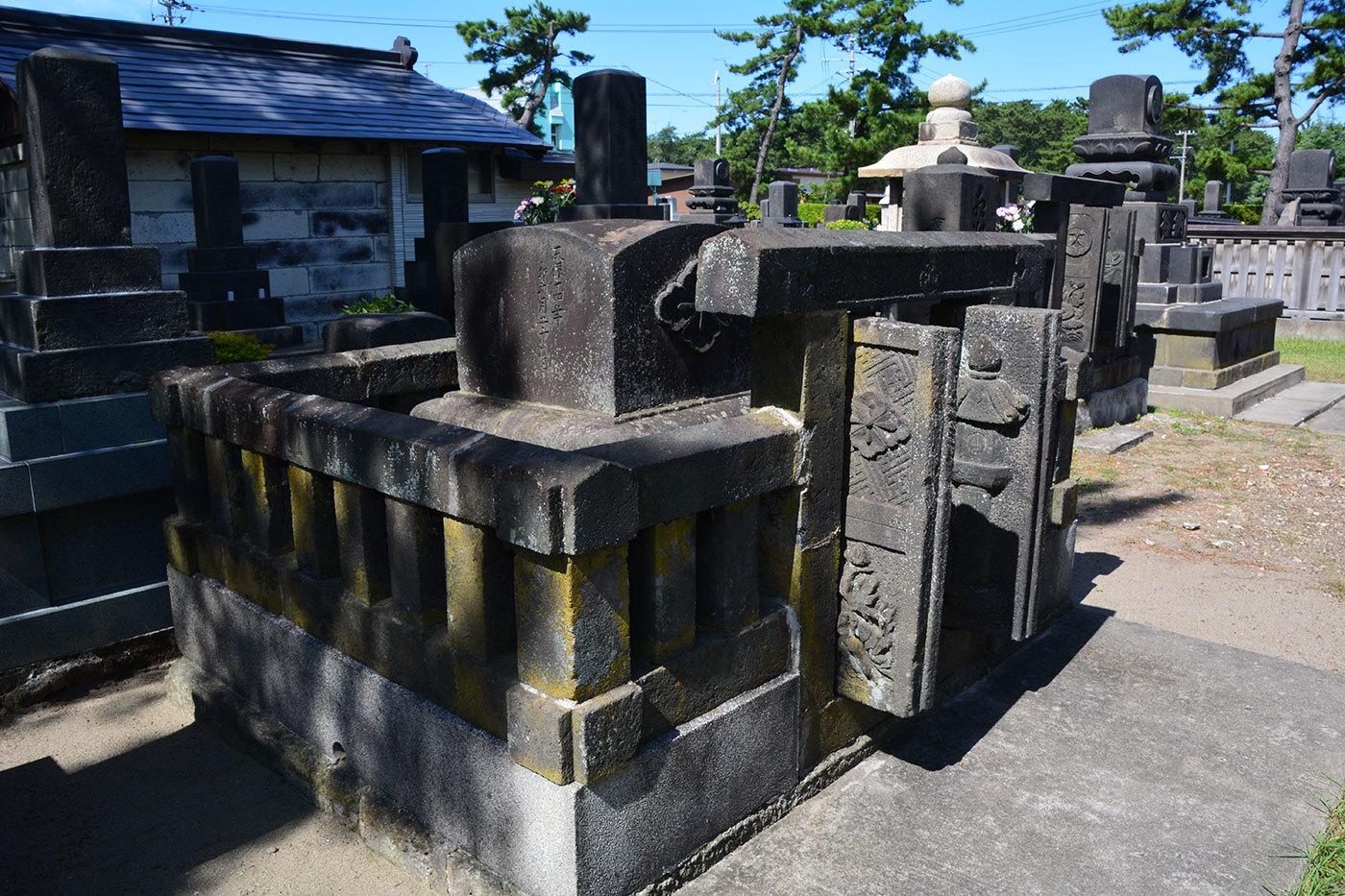 能代市萩の台 願勝寺墓地220200922