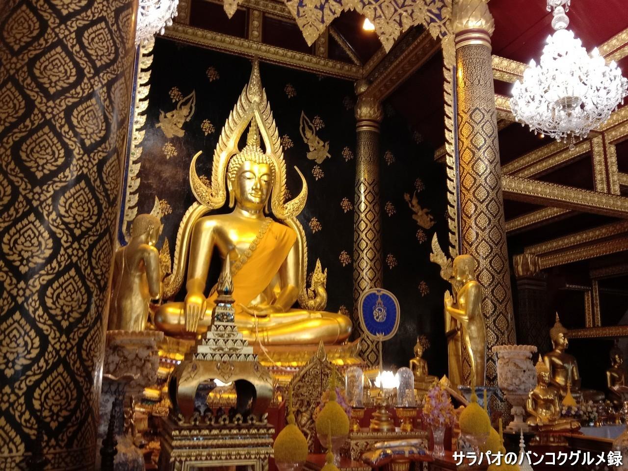 ワット・ヤイにあるタイで最も美しいとされるチナラート仏 in ピッサヌローク県