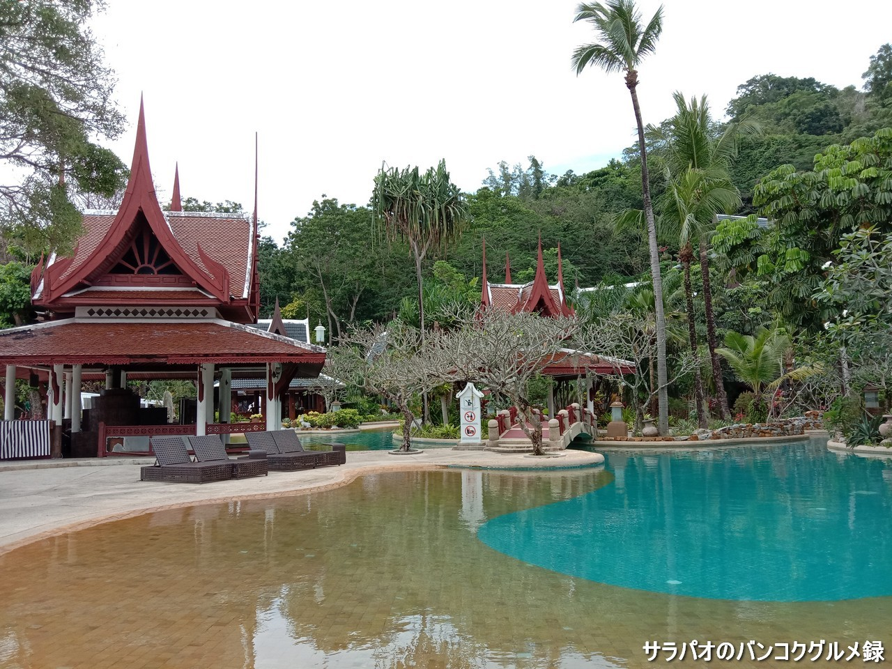 Thavorn Beach Village Resort & Spaは4平方kmの巨大プールがあるリゾート in プーケット