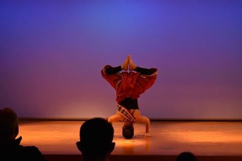 yogaopning6.jpg