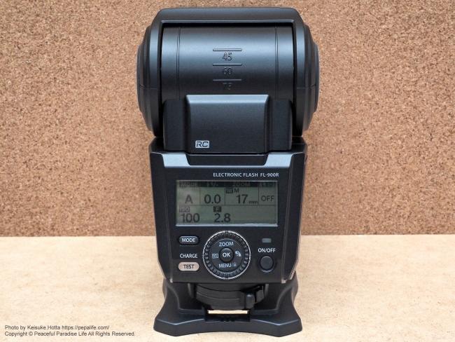 オリンパス エレクトロニックフラッシュ FL-900R 電源を入れる
