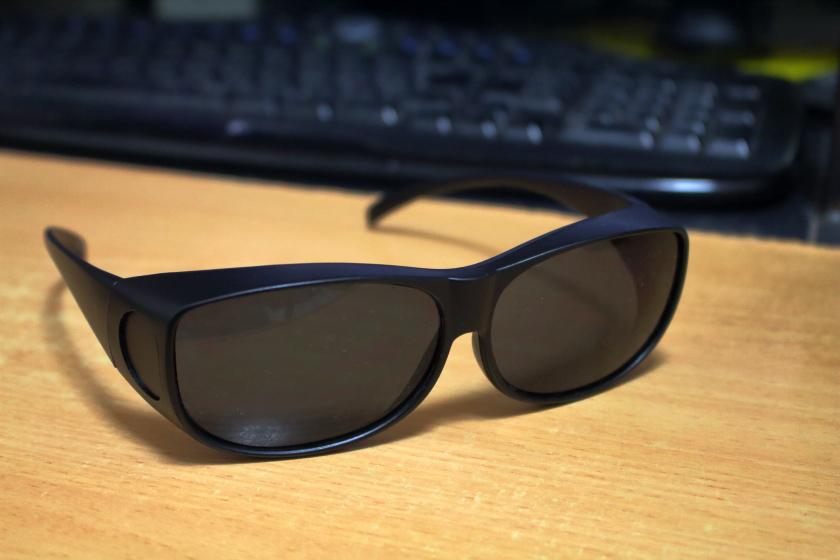 メガネをしたまま使えるサングラス