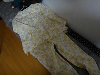 ガーゼのパジャマ全体