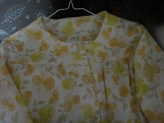 ガーゼのパジャマ上
