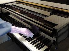 ピアノ消毒①