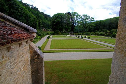 フォントネー修道院 フランス式庭園の庭