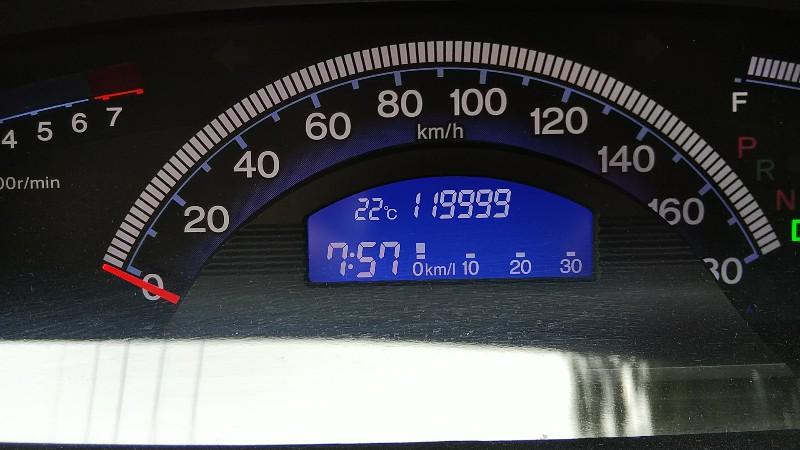 フリードスパイク119,999km