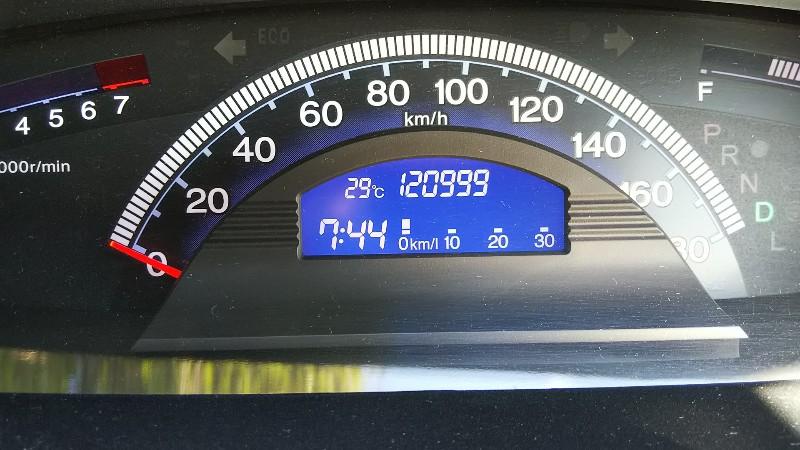 フリードスパイク120,999km