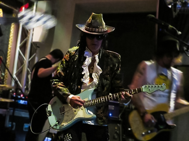 Andy McCoy ヘルシンキ Hard Rock Cafe HRC