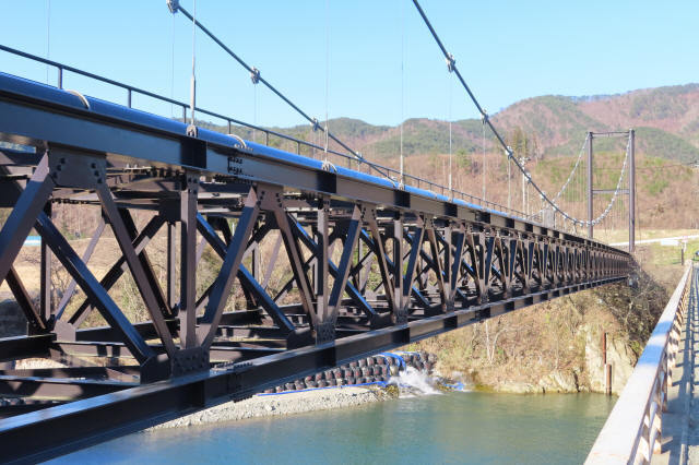 馬越水管橋2