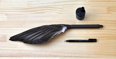芯研器羽箒ペン型消しゴム
