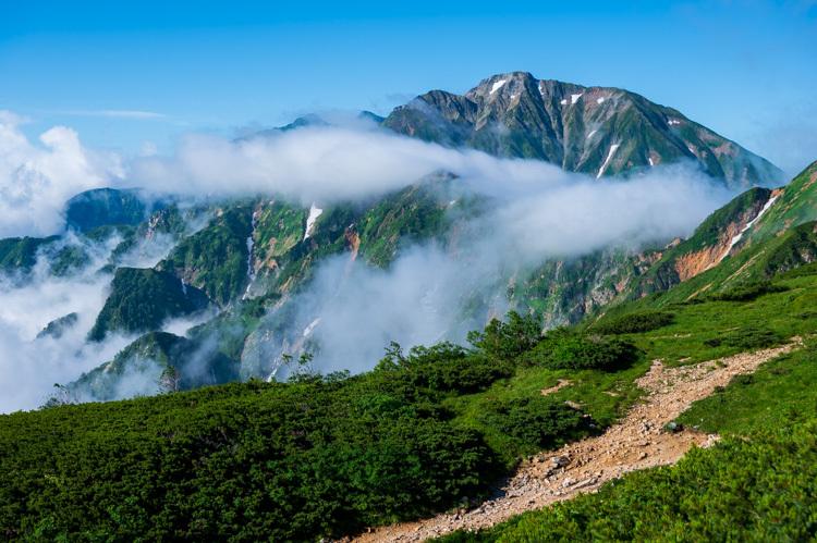 唐松岳 登山 トレッキング 丸山ケルン 五竜岳