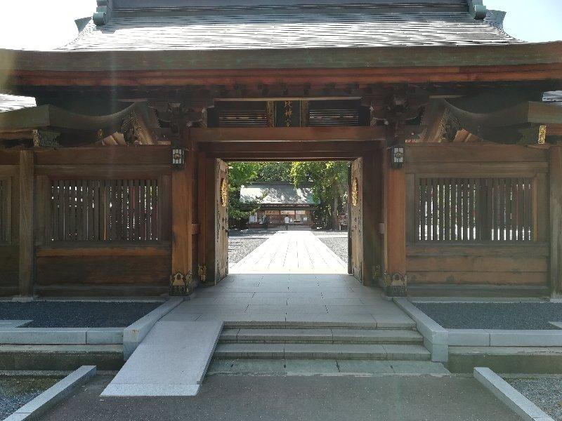 kehiginguu3-tsuruga-002.jpg