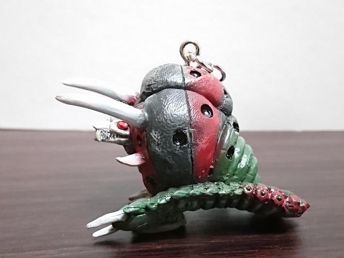 円盤生物 ブラックエンド 恐怖の円盤生物キーホルダー! キャスト1