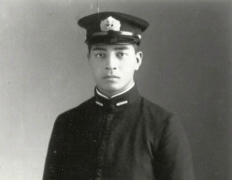 富安俊助海軍予備少尉(当時:のち海軍少佐)