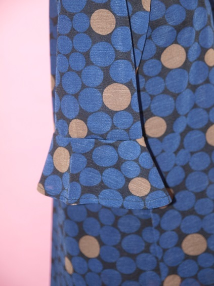 P6110065 ラッパ袖